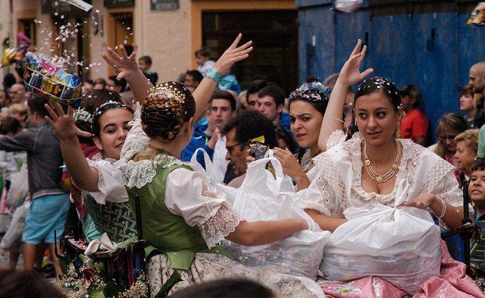 Alegría festiva. Foto:José Plasencia.