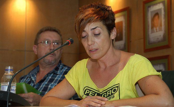 Elena Cáceres presentó la moción. Foto:José Plasencia.