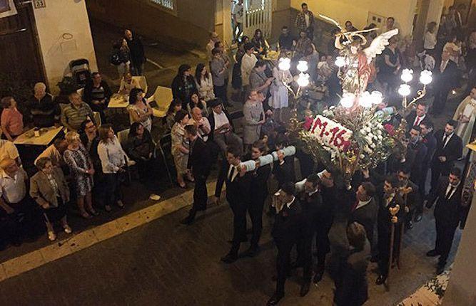 Altura honra a su patrón San Miguel. Las actividades festivas se suceden a lo argo del día, en el que los Quintos son protagonsitas.